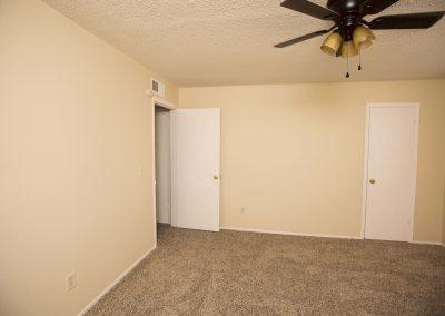 ridgecrest-apartments-pet-friendly-bedroom